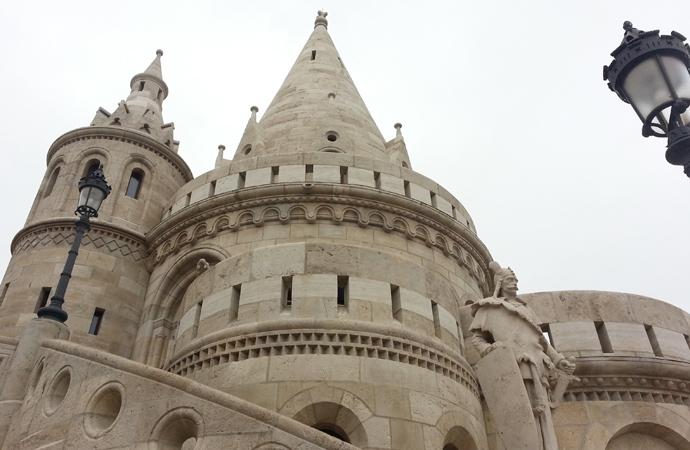 Turm der Fischerbastei in Budapest