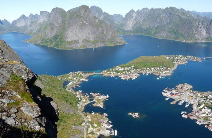 Dorf Reine und der Reinefjord