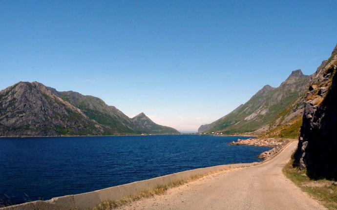 Norwegen 4 Wochen: Blick über den Fjord, Lofoten