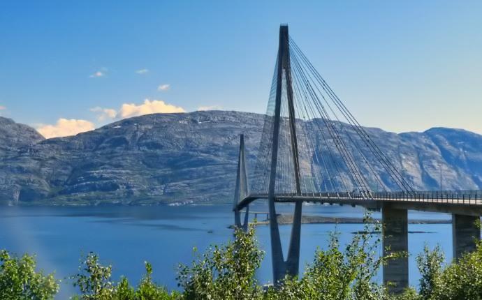 Brücke über den Sund