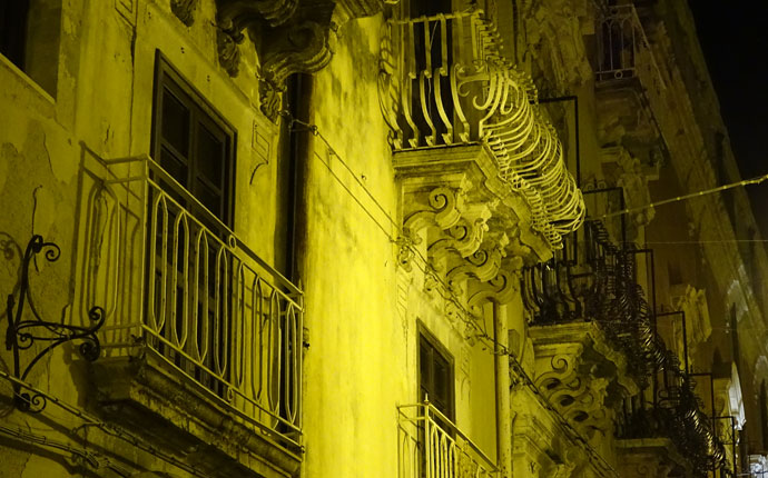 Sizilien Syrakus bei Nacht