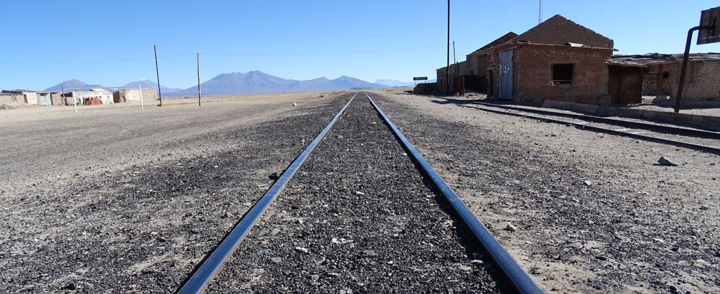 Bolivien Route Eisenbanhschienen