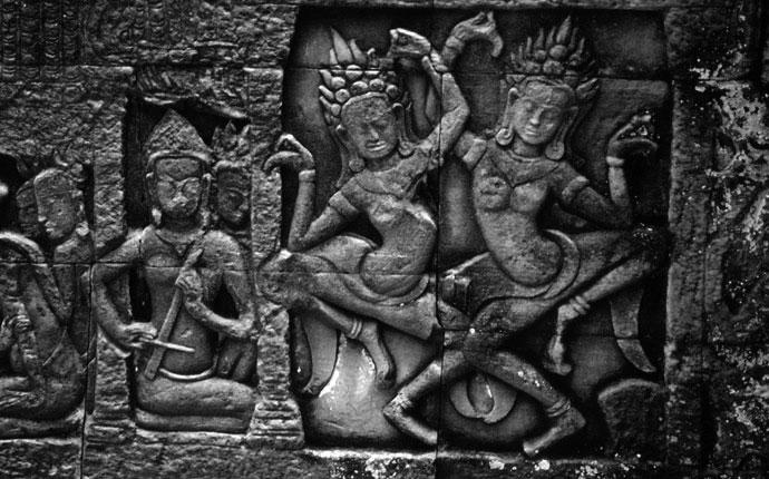 Angkor War Apsara