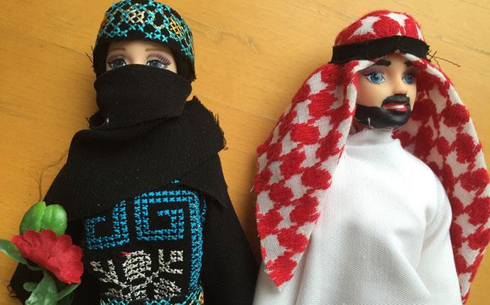 """Andere Länder, andere Puppen"""