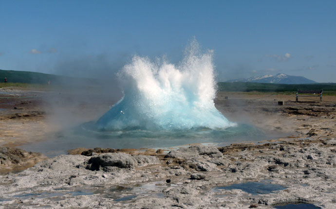 Geysir Strokkur auf dem Golden Circle in Island