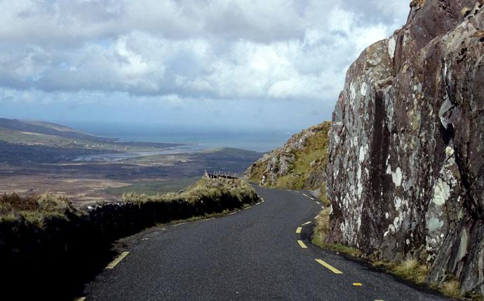 Passstraße in Irland - einer von zehn Tagen