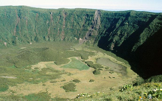 Azoren Blick in die grüne Caldeira