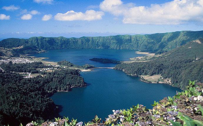 Azoren Blick auf die Seen bei Sete Cidades