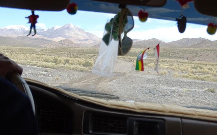 Im Bolivien im Jeep