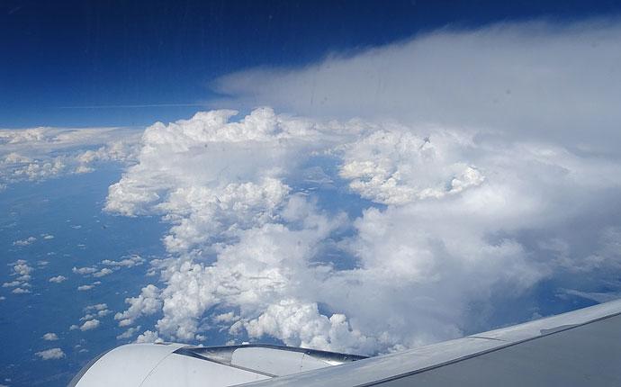 Langstrecke über den Wolken