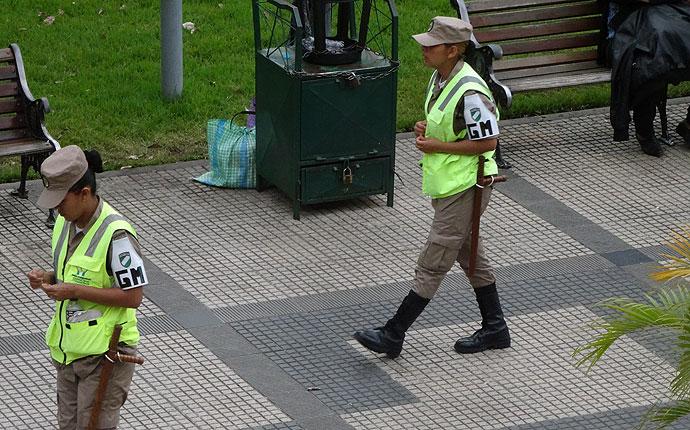 Für die Sicherheit: Polizistinnen zur Streife