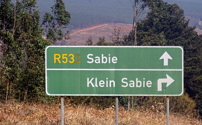 Wegweiser nach Sabie und Klein Sabie in Südafrika