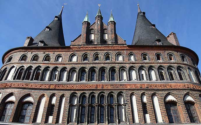 holstentor-luebeck