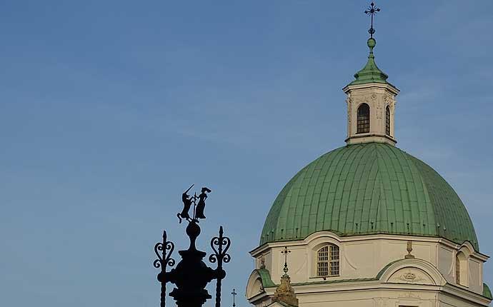 Warschau: Weiße Kirche mit grünem Dach