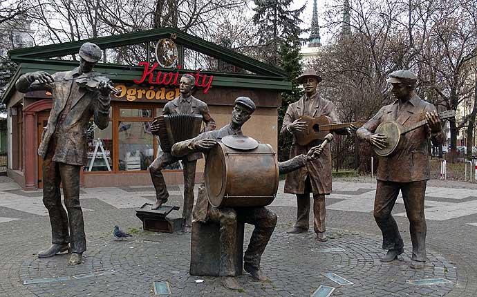 Warschau: Kapelle aus Bronze