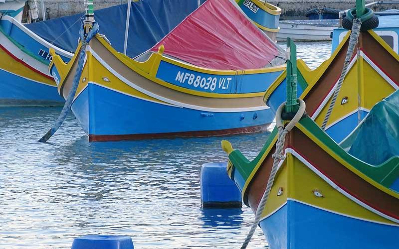 Bunte Boote im Hafen von Marsaxlokk, Malta