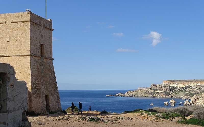 Turm an der Golden Bay auf Malta
