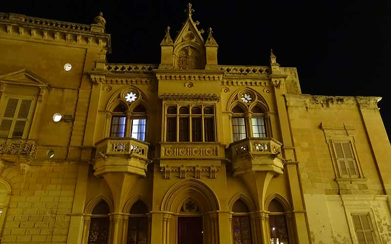 Haus bei Nacht in Mdina auf Malta