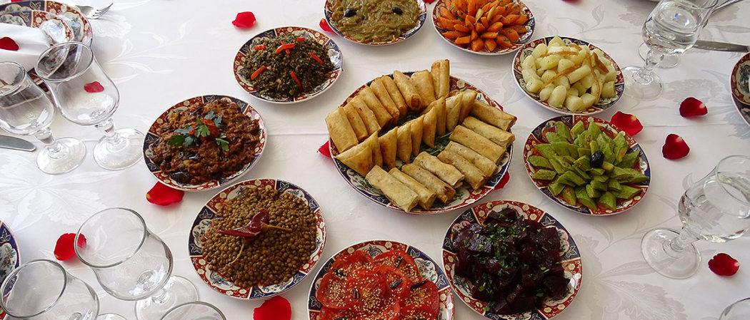 Vorspeisenteller in Riad-Restaurant in Marrakesch