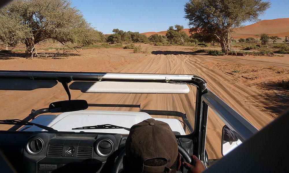 Im Jeep durch den Tiefsand