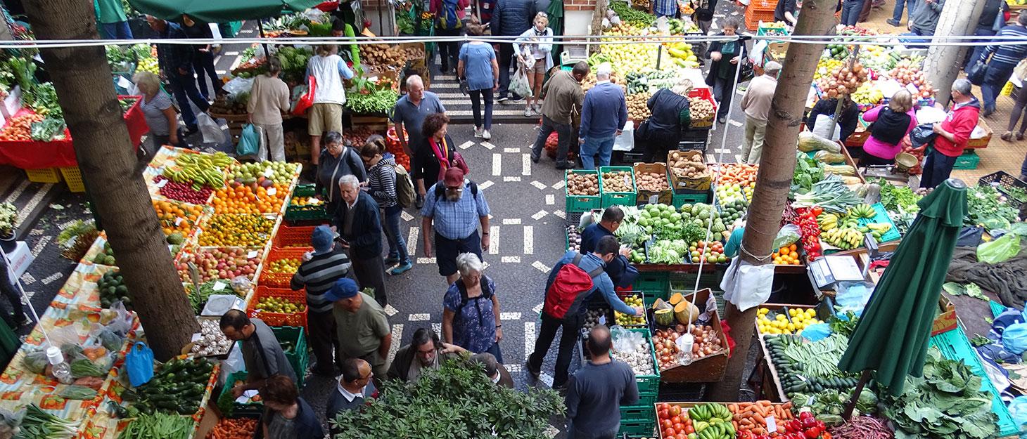 Händler auf dem Markt in Funchal
