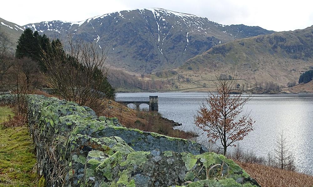 Am Seeufer des Haweswater im Lake District
