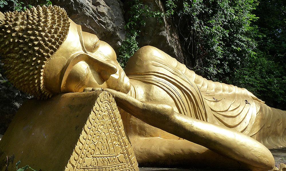 Goldener Buddhastatue