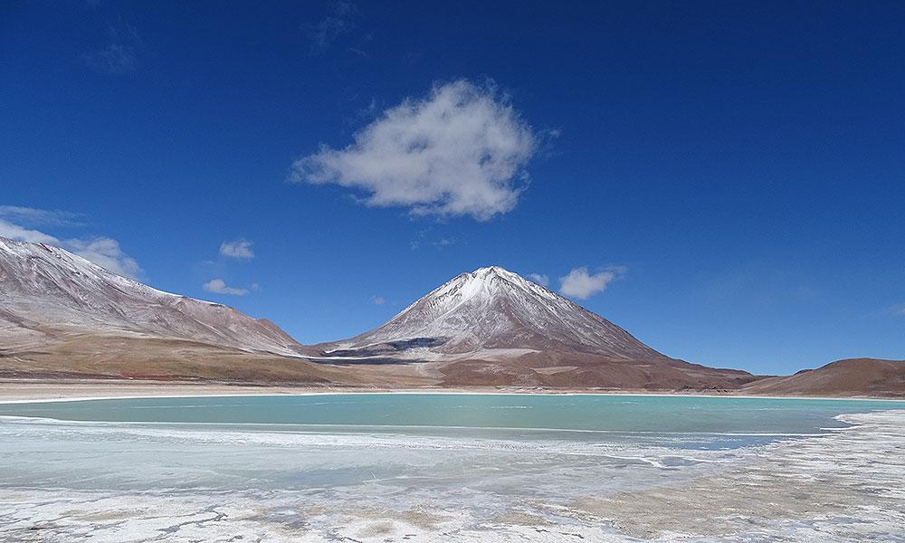 Laguna Verde: Berg am grünen See in Bolivien