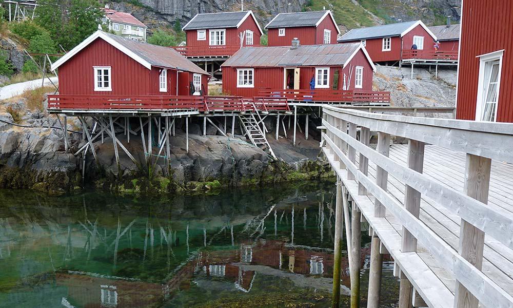 Reisevorbereitung Norwegen: Holzhäuser auf den Lofoten
