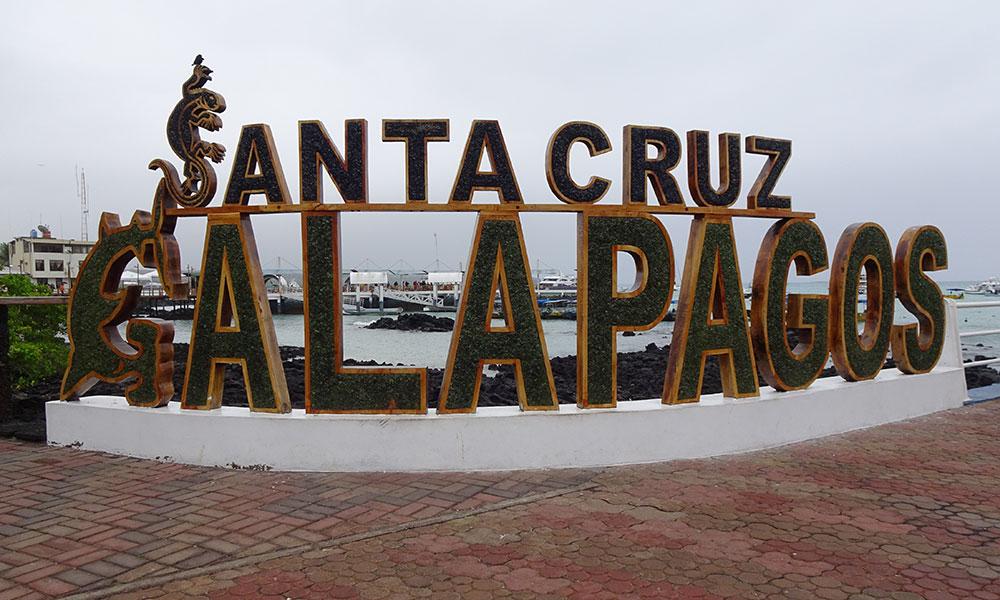 Schild Santa Cruz Galapagos