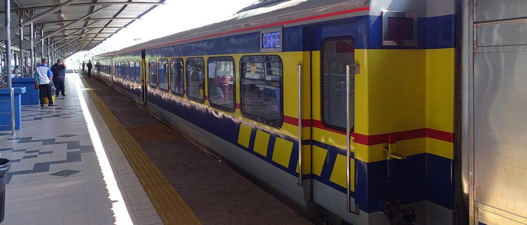 Der Jungle Train Malaysia im Bahnhof