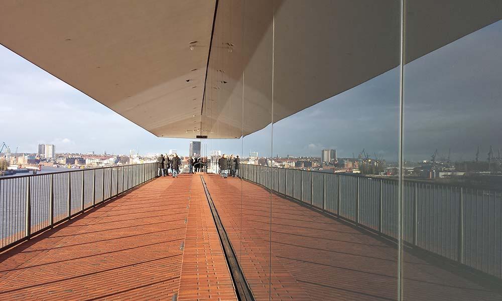 Blick über Hamburg von der Elbphilharmonie