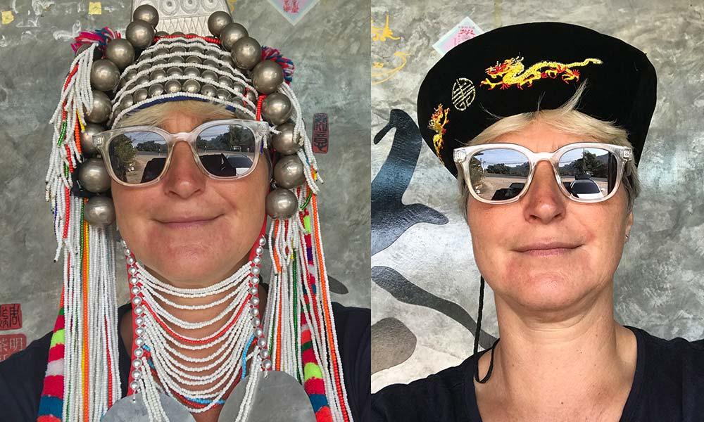 Frau mit traditioneller Kopfbedeckung