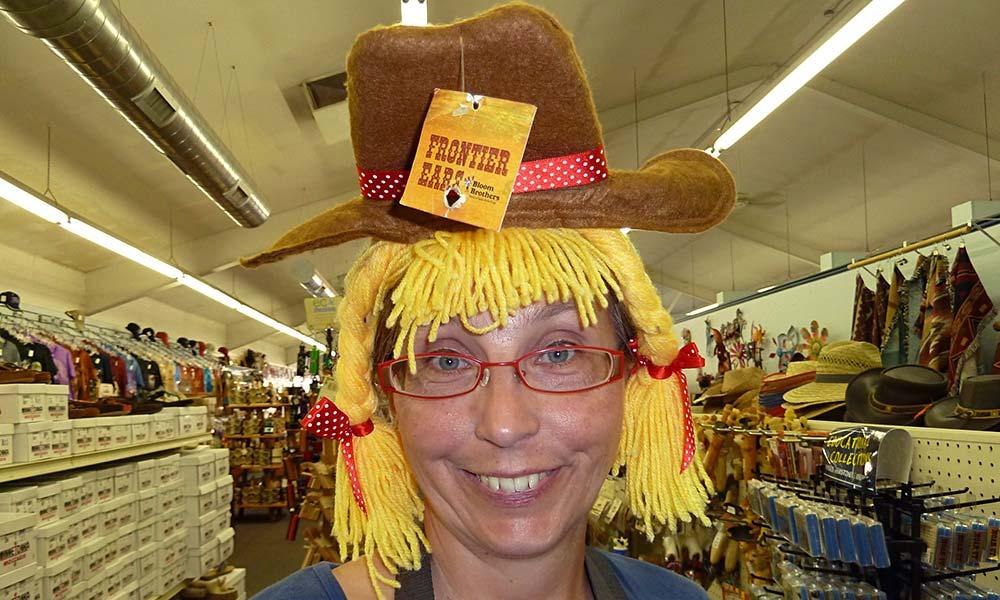Frau Mit Cowgirl-Hut