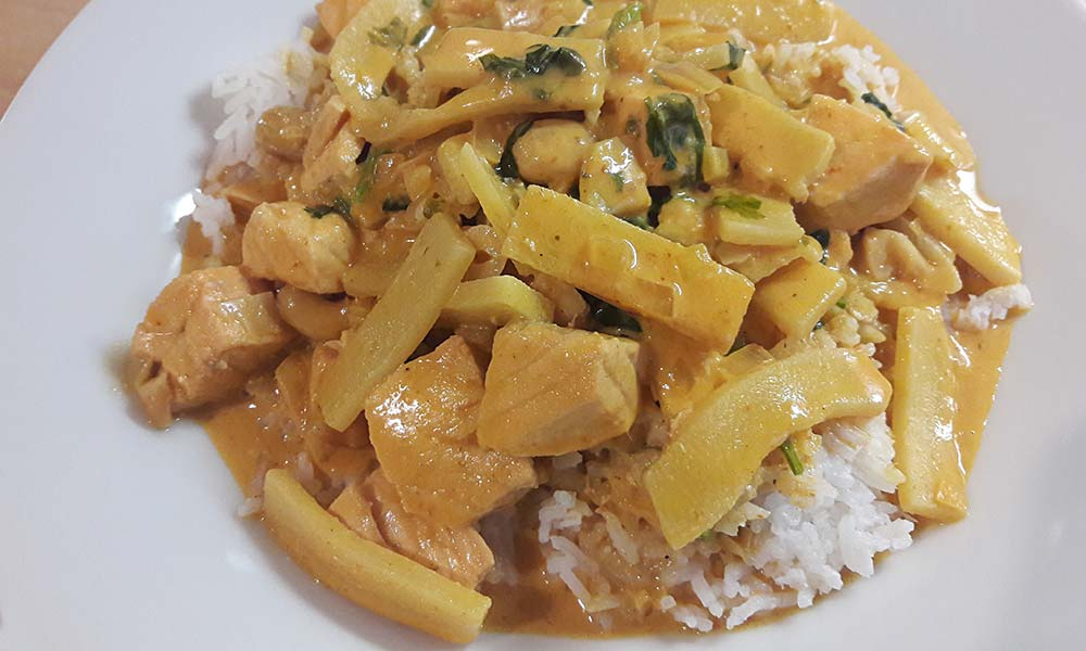Thai-Curry auf Reis