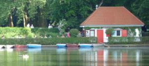 Kleines Haus am Weiher im Blücherpark in Köln