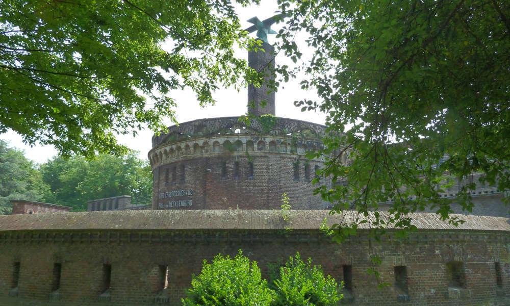 Altes Fort mit Mauer