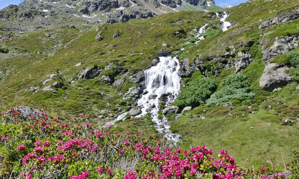 Wasserfall am Hang