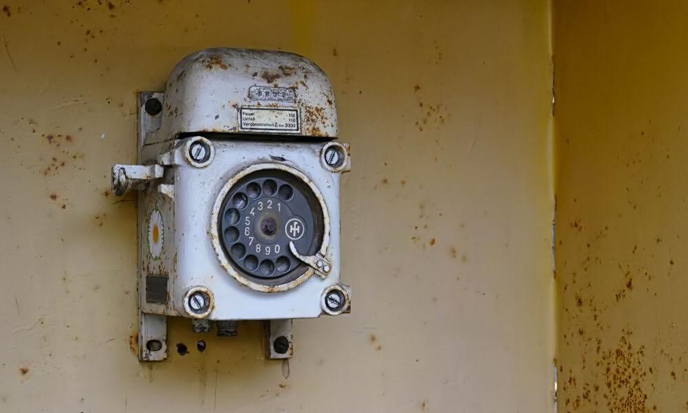 Altes Wähltelefon in Völklinger Hütte