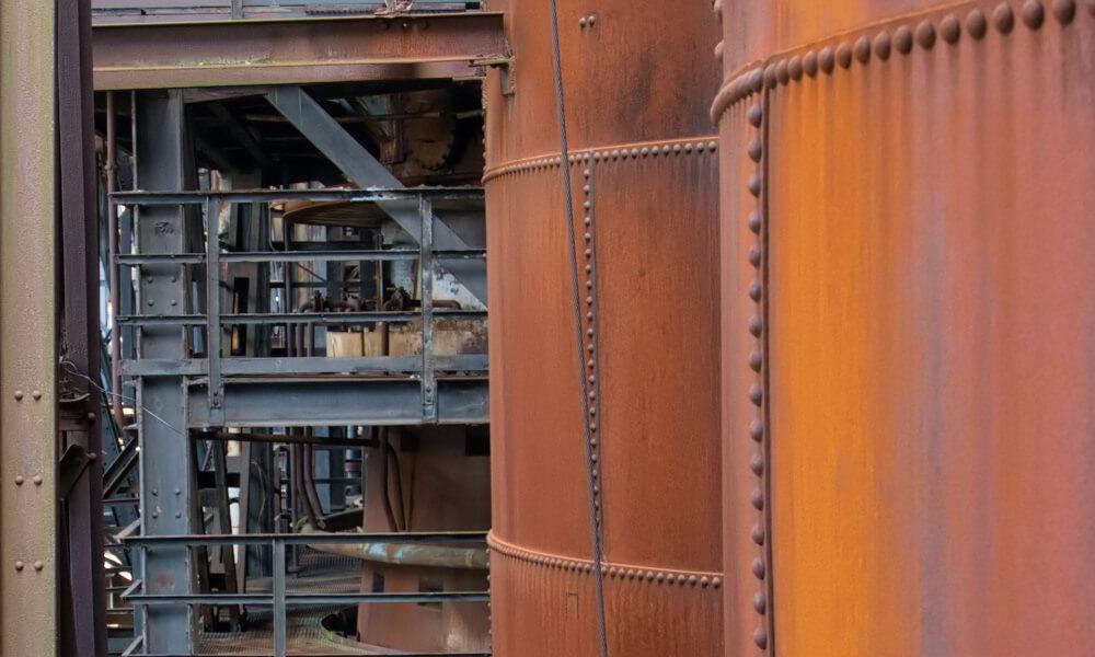 Rostige Industrieanlage